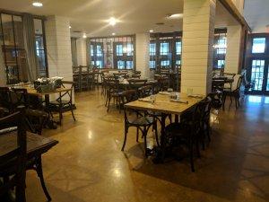 0-Castorville-HillsideHotelResturant-4